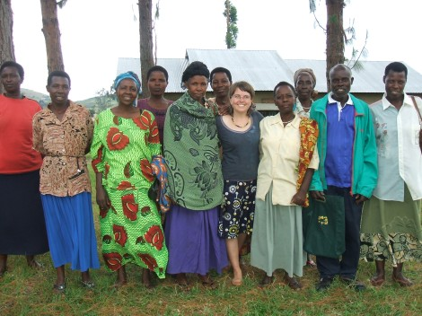 With the Kitojo Chilli Growers Group on buying day, Uganda 2009